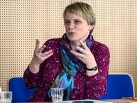 ... und diskutieren sie sowohl mit ihrer Professorin Isolde Heintze ...