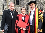 Frisch promoviert in Schottland: Dr. Stefanie Zimmermann von der Hochschule Mittweida mit Prof. Frank Weidermann und dem Rektor der University of the West of Scotland Prof. Craig Mahoney.