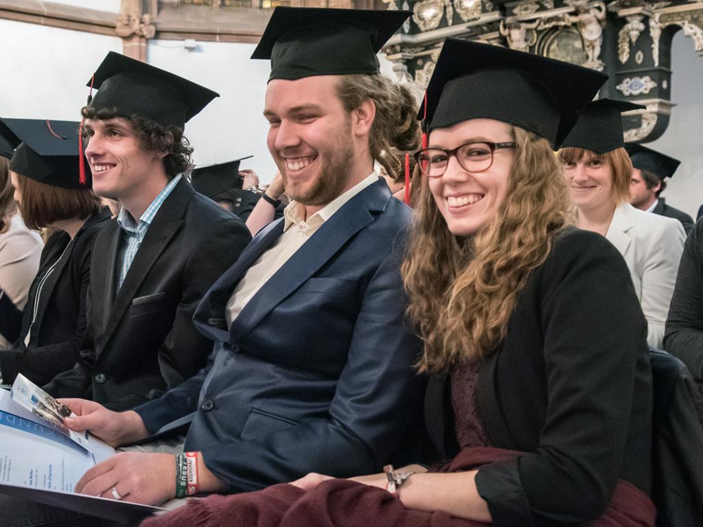 Ausgezeichnet Student Setzt Für Hochschulanwendungen Fort ...